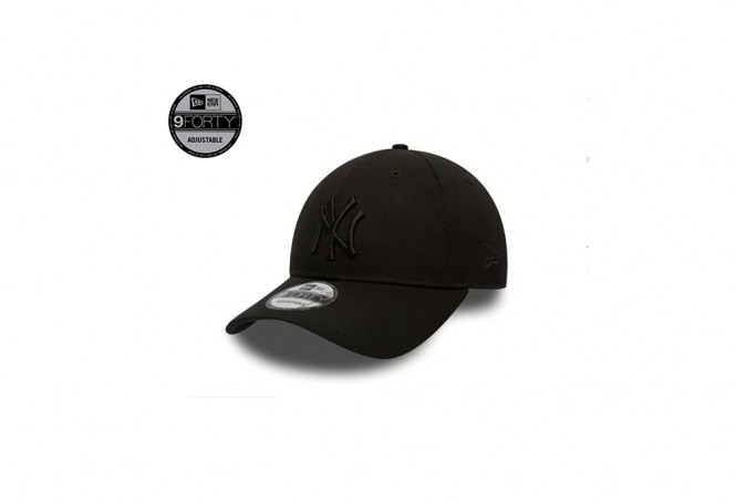 NY Yankees Essential Black 9FORTY Cap